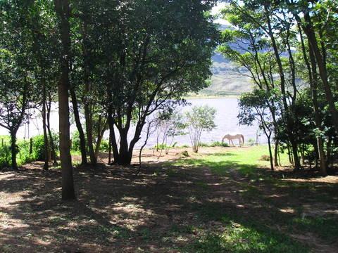 13 Chalé da Lagoa- Vista da Lagoa pela varanda